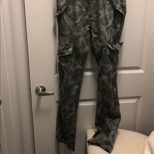 Mossimo Supply Co. Pants - Men's Mossimo Cargo pants Size 30x32